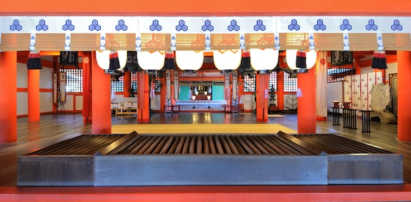 Shinto shrine at Itsukushima, Japan. © Sean Pavone | shutterstock.com