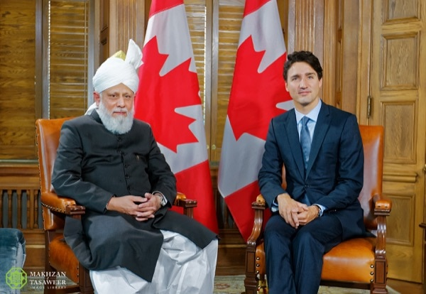 During his historic visit to parliament, prime Minister of canada, Justin Trudeau, met with His Holiness. e Review of Religions continues with exclusive coverage of the historic tour of the worldwide Head of the ahmadiyya Muslim community