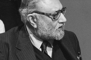British Heritage: Professor Abdus Salam's Achievements Commemorated with Blue Plaque
