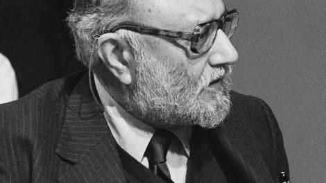 British Heritage: Professor Abdus Salam's Achievements Commemorated with Blue Plaque