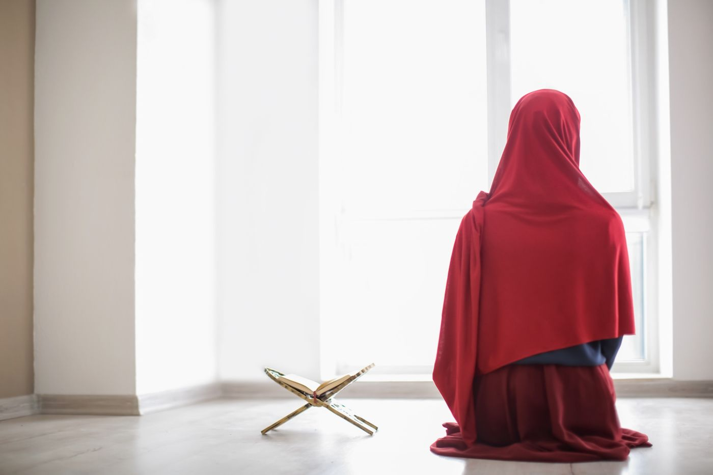 Does Islam Forbid Women from Leaving the Home? Deconstructing the Myth